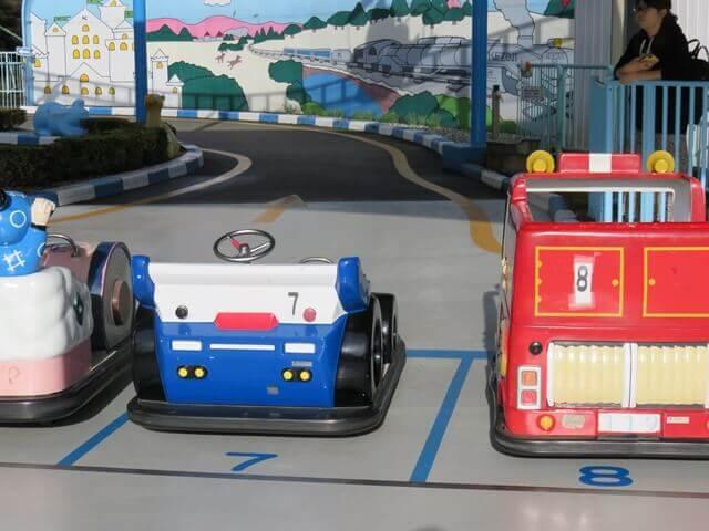 華蔵寺公園遊園地のバッテリーカー