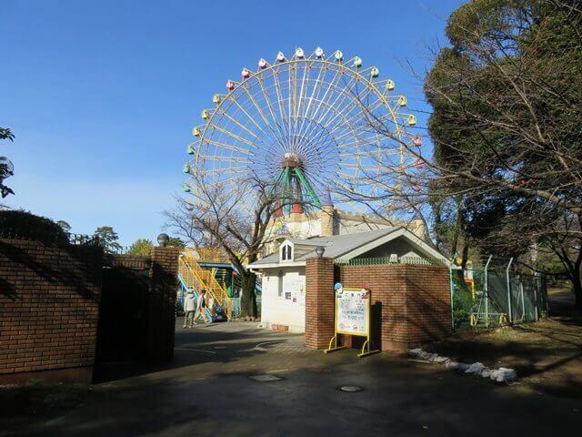 華蔵寺公園遊園地の入り口