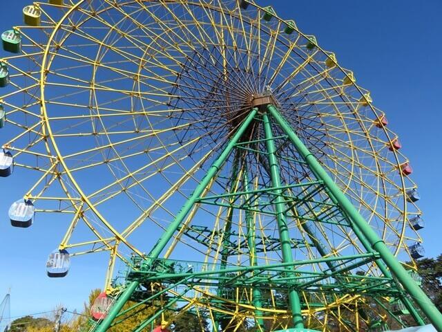 華蔵寺公園遊園地のシンボル観覧車