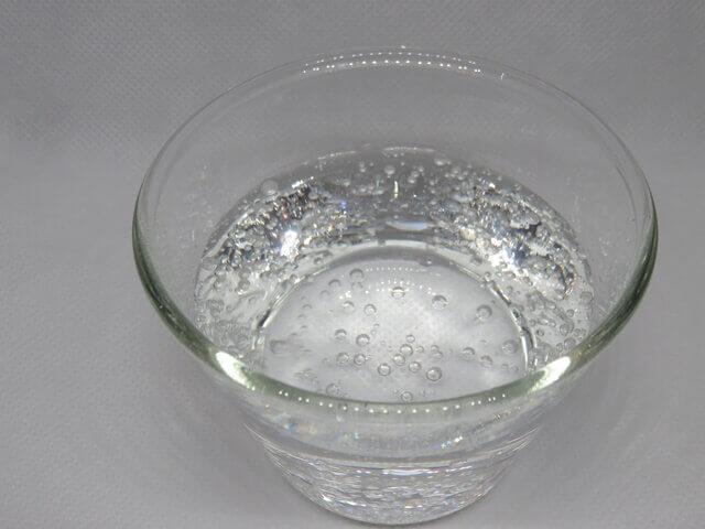 記事タイトル『炭酸水が余ったら使い道はある?飲む以外の利用法とその効果を紹介』のアイキャッチ画像