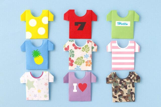 記事タイトル『保育園生活に必要な洋服は何枚?0歳児と1歳で準備したい枚数を解説』のアイキャッチ画像