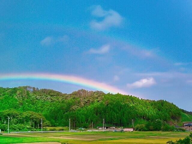 二重の虹の画像