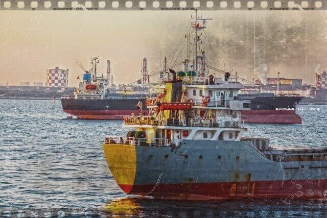 ノスタルジックな船舶のイメージ画像