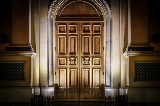 扉のイメージ画像