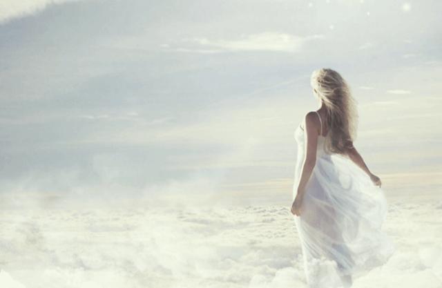 女性の夢の中のイメージ画像